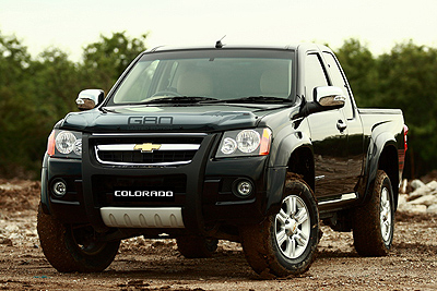 world 39 s largest chevy colorado exporte world 39 s top 4x4. Black Bedroom Furniture Sets. Home Design Ideas